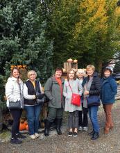 The vibrant colors of Autumn danced in the breeze, but thankfully the rain held off for another day when twenty Mill Creek Garden Club women ventured north to Gordon Skagit Farms in Mount Vernon.